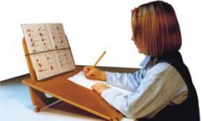 Schreib-, Lesepult, Stiftebox