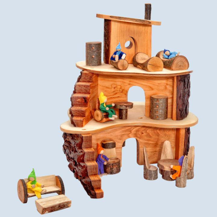 Decor -  little tree house, with accessories