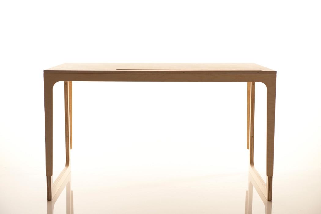 sirch vaclav schreibtisch f r kinder h henverstellbar. Black Bedroom Furniture Sets. Home Design Ideas