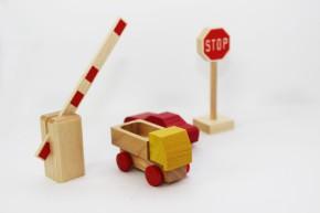 Beck - Verkehrszeichen Stop aus Holz - Made in Germany